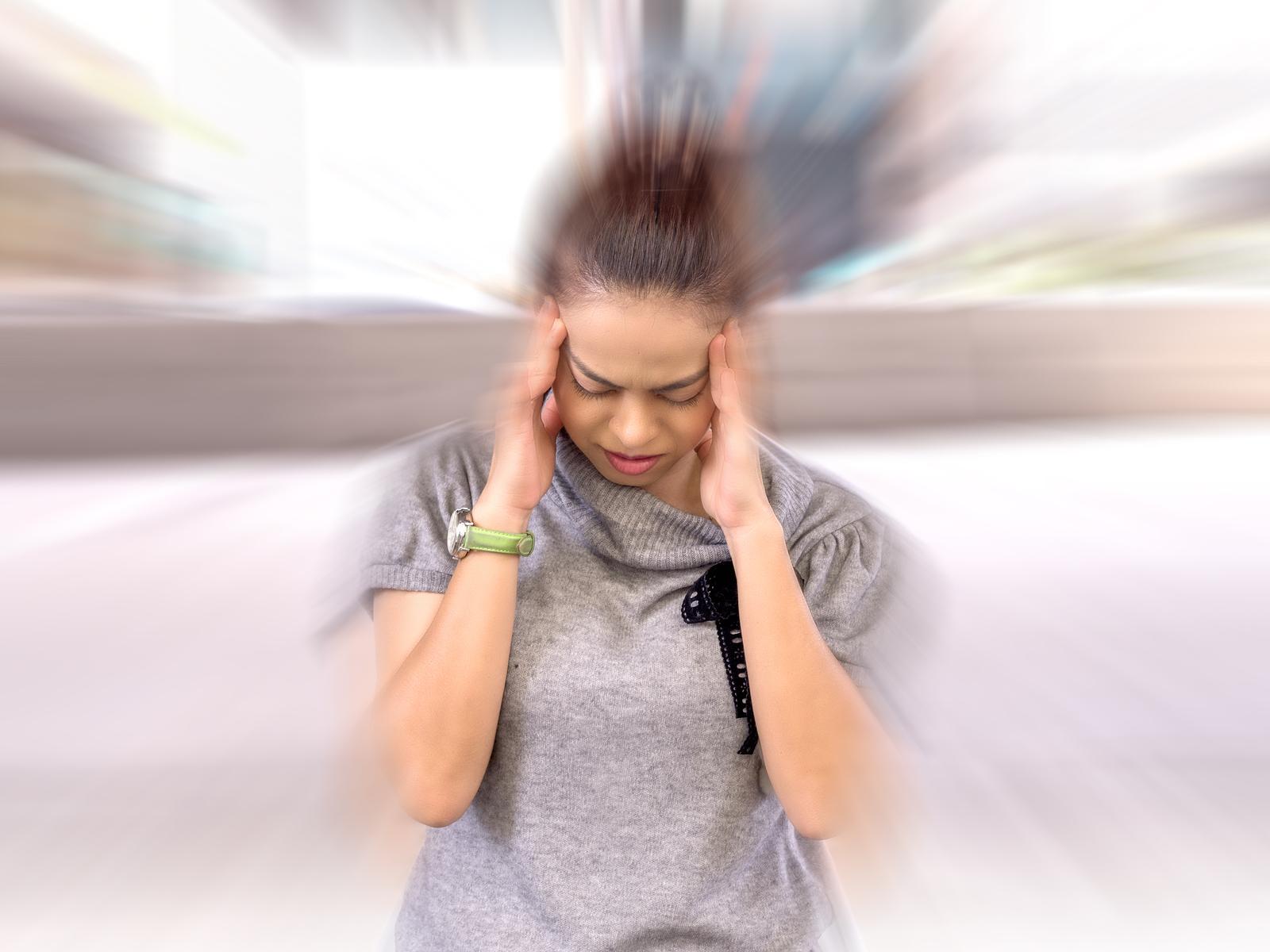 migrena objawy przyczyny leczenie