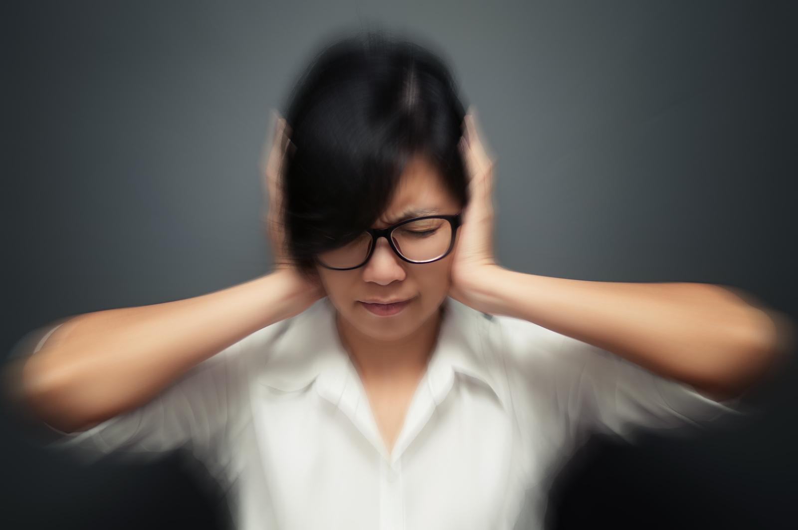 szumy uszne przyczyny objawy rodzaje leczenie